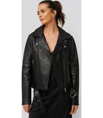na-kd trend oversized belted leather jacket - black
