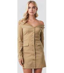 na-kd off shoulder blazer dress - beige