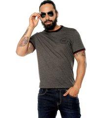 camiseta gris-negro-vinotinto americanino