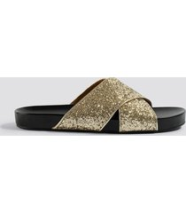 na-kd shoes glitter cross strap slippers - gold