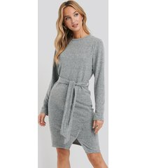 na-kd light knitted belted dress - grey