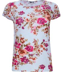 camiseta fondo azul flores rosas color azul, talla 6