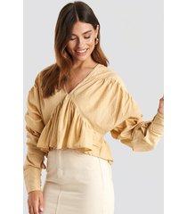 na-kd trend big sleeve dobby blouse - beige