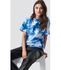 na-kd trend aquarelle printed unisex tee - blue