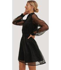 na-kd party organza pocket dress - black