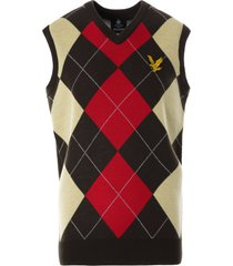 lyle & scott x stuarts london argyle vest | chocolate | kn1383v-w468