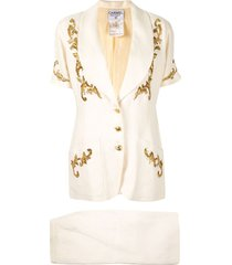chanel pre-owned embroidered two-piece skirt suit - white