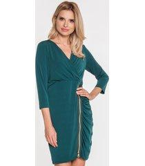 zielona sukienka z ozdobnym suwakiem