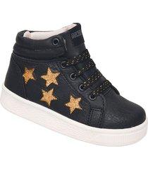 bota negra plumitas estrellas