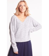 szary sweter z dekoltem w serek celeste