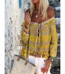 blusa de manga elástica con estampado tribal amarillo fuera del hombro