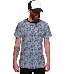 camiseta di nuevo azul ciano e flores rosas azul