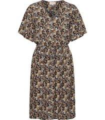 cesena dress knälång klänning multi/mönstrad minus