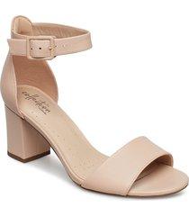 deva mae sandal med klack guld clarks