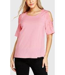 yoins rosa blusa con hombros descubiertos y adornos de encaje de ganchillo
