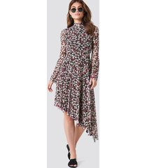 na-kd boho mesh bell sleeve dress - pink,multicolor