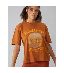 amaro feminino t-shirt mother earth lovers club, marrom