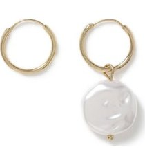mens cream pearl asymmetric earrings*