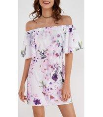 mini blanco con hombros descubiertos y estampado floral al azar longitud vestido