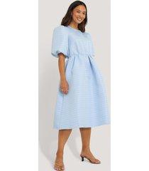na-kd boho structured puff dress - blue