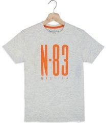 camiseta gris-naranja nautica