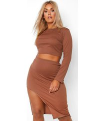 plus geribbelde crop top met lange mouwen en midi rok set, chocolate