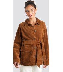 na-kd trend tied waist corduroy jacket - brown