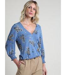 blusa feminina blusê transpassada estampada floral manga 7/8 com lastex decote v azul