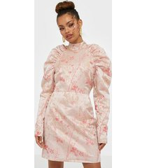 glamorous long sleeve brocade dress fodralklänningar