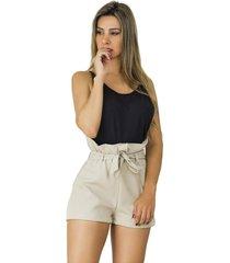 short clochard dress code moda bege
