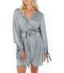 women's plum pretty sugar tie sleeve satin robe, size x-small/small - grey