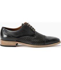 zapato gris guante