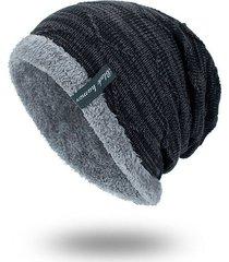cappello a maglia di velluto