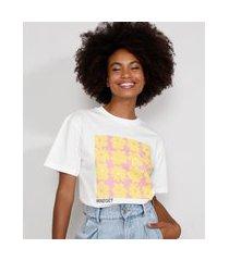 t-shirt feminina mindset floral manga curta decote redondo off white