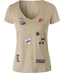 oke by me t-shirt patch zand