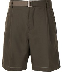 sacai high-rise belted bermuda shorts - green