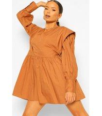 katoenen gesmokte jurk met grote schouders, camel