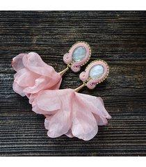 łososiowy róż- kolczyki soutache z kwiatami