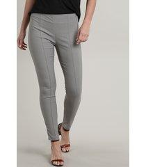 calça legging feminina básica com frisos cinza