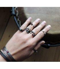 pierścionek minimalistyczny dwa oczka