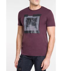camiseta masculina earth connected bordô calvin klein jeans - pp