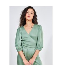 blusa verde acetinada