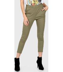 pantalón verde nylon
