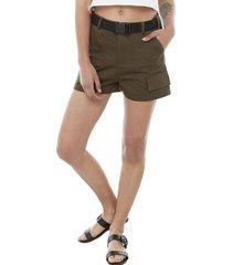 short cargo cinturón verde militar mujer corona