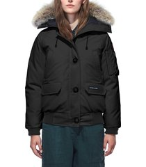 women's canada goose chilliwack fusion fit 625 fill power down bomber jacket with genuine coyote fur trim, size smallp (2-4p) - black