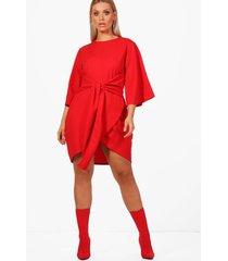 plus wikkel jurk met ceintuur en kimonomouwen, rood