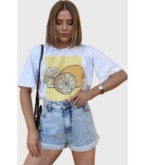 blusa in love t-shirt branca over lemom - kanui