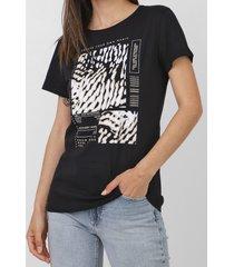 camiseta dimy aplicações preta - kanui