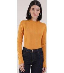 blusa feminina básica em tricô manga longa mostarda 1
