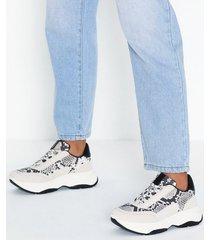 duffy snake comfort sneaker low top